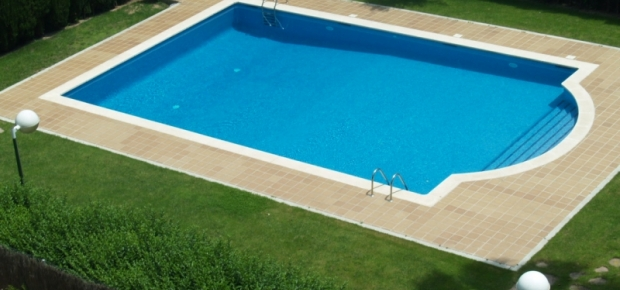 How much does it cost to build a concrete pool for How much does a concrete house cost to build