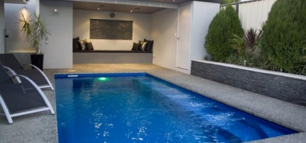 How Much Does Ceramic Pool Tiling Cost
