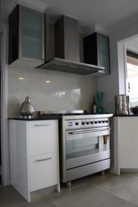 Kitchen Tile Design Ideas by GF Cabinet Works