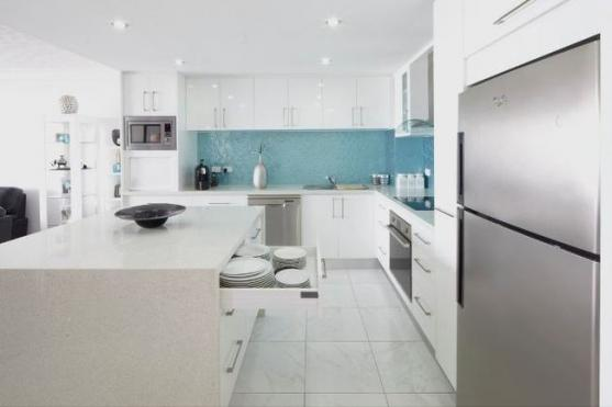 Kitchen Splashback Ideas by Ocean Blue Glass