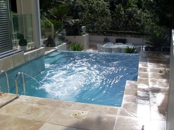 Plunge pool design ideas get inspired by photos of for Plunge pool design