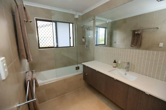 Bath Shower Combo ideas by Nathan Groszmann Constructions