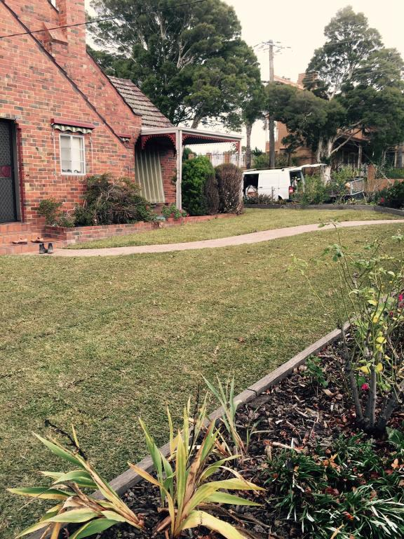 Offcutters eastern suburbs of melbourne dyllon mackie for Garden maintenance jobs