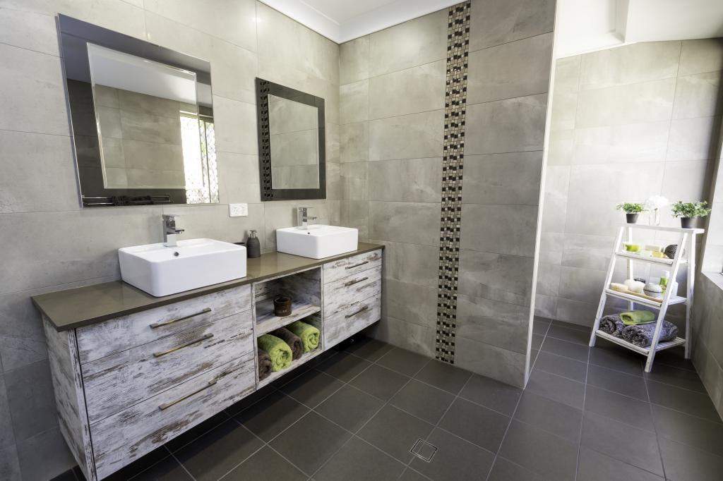 Genial Woodvale (4 Photos). Lux Bathrooms