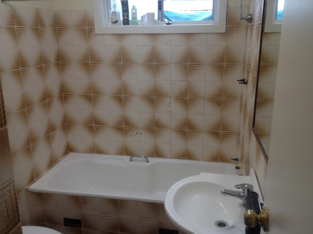 Bathroom Tile Painting Canberra bath resurfacing specialists in canberra act - get free quotes