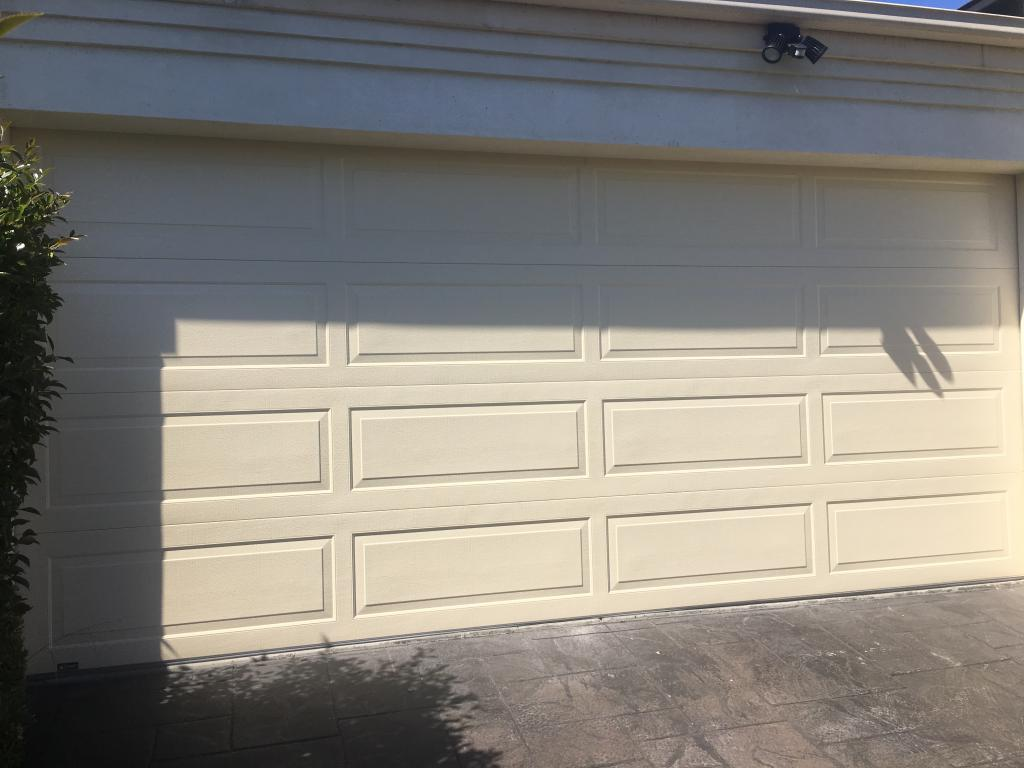 Roller Door Installation Experts In Melbourne Vic Get Free Quotes