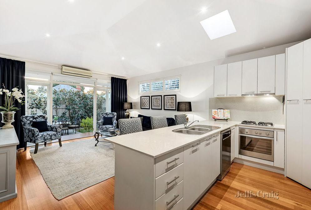 Hawthorn Home with Added Elegance