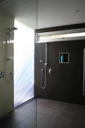Shower Design Ideas by Windiate ARCHITECTS Pty Ltd
