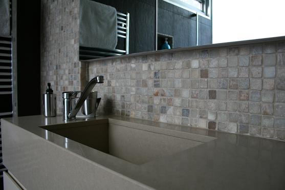 Bathroom Basin Ideas by Windiate ARCHITECTS Pty Ltd
