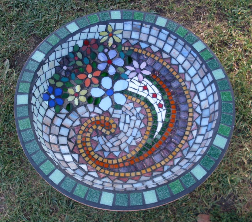 Mosaic tiles inspiration purple dog leadlighting for Garden mosaics designs