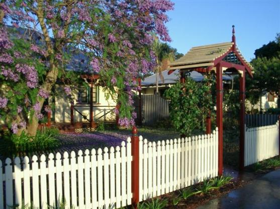 Picket Fencing Designs by Top Notch Pergolas & Gazebos