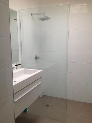 Frameless Shower Screen Designs by A&O Aluminium Products