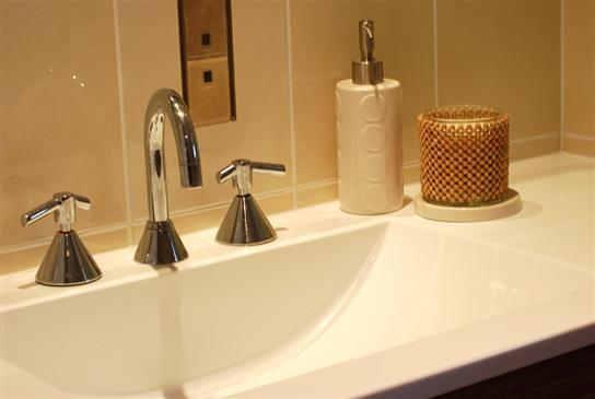 Bathroom Tap Ideas by D&E Constructions