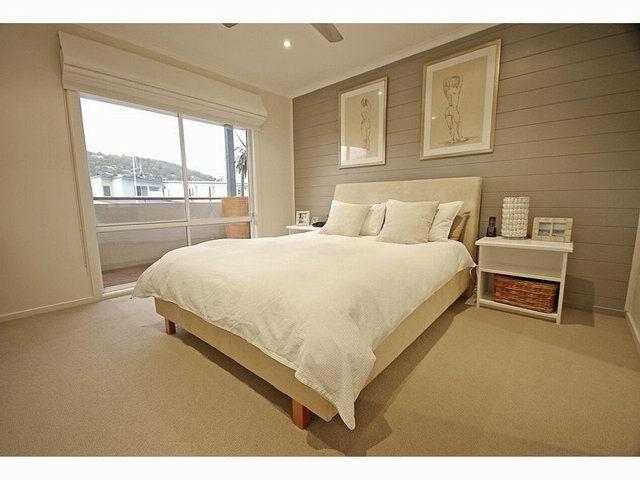 Master bedroom ideas bedrooms rustic rural property for Bedroom designs australia