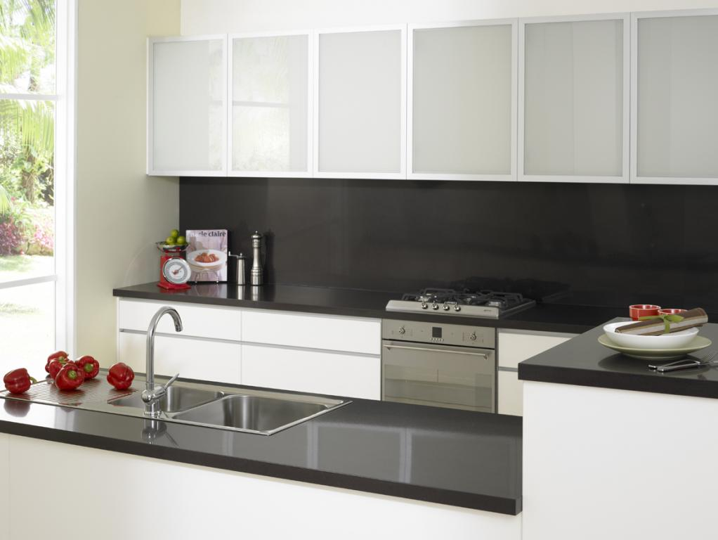 Top 10 kitchen splashback ideas display gallery for Kitchen benchtop ideas