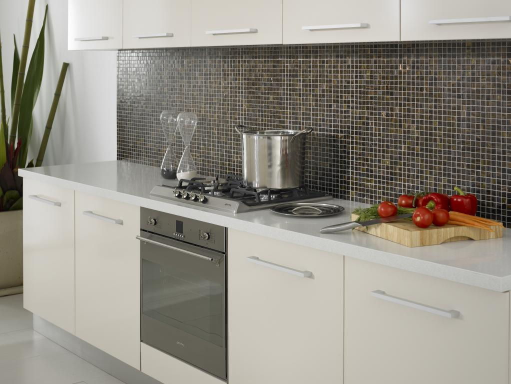 Kitchen splashback design ideas get inspired by photos for Splashback tiles kitchen ideas