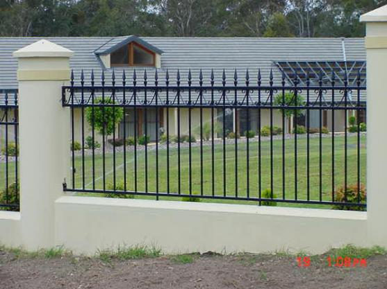 Fence design ideas get inspired by photos of fences from for Wall gate design homes