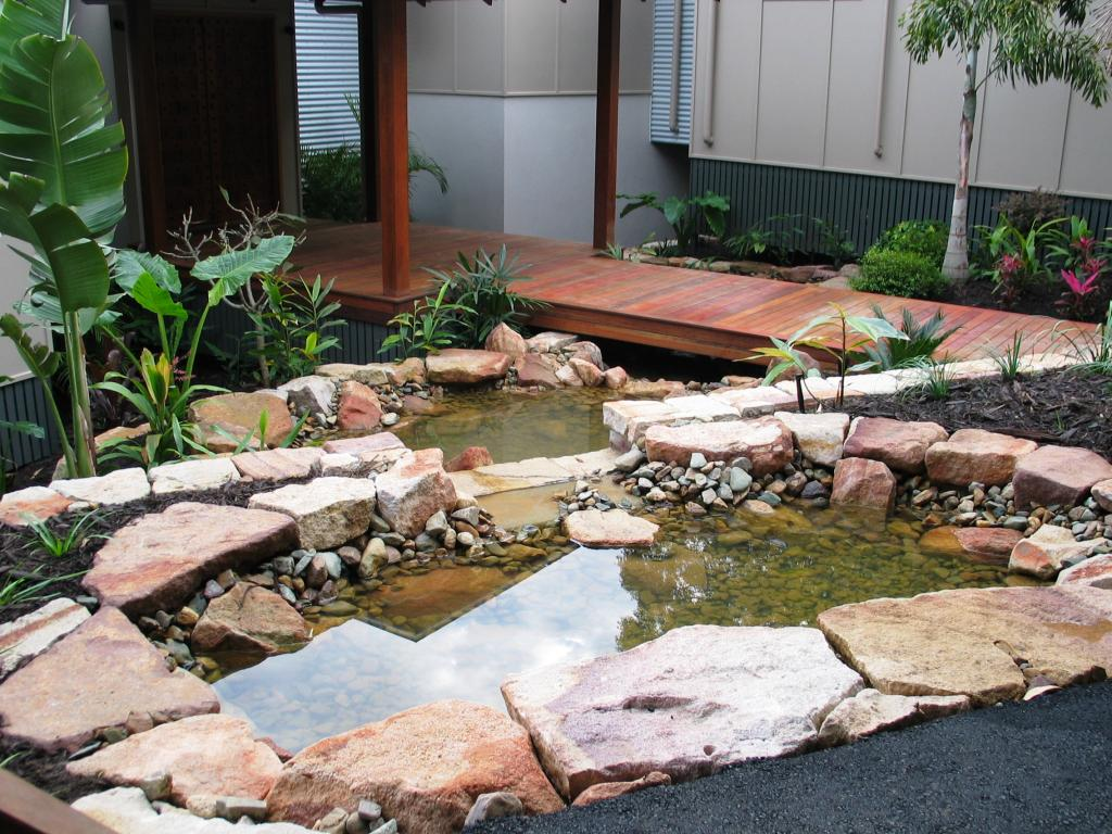 Cost guide to building your own garden pond for Build your own garden pond