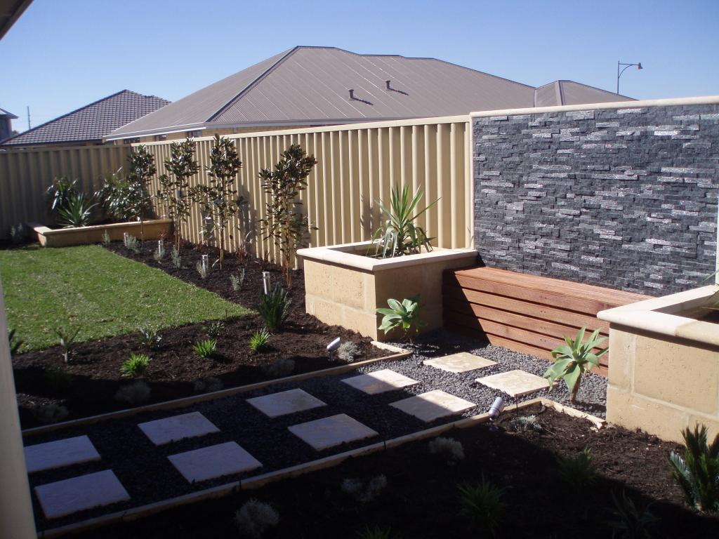 Top 10 landscaping ideas for your home for Front yard garden designs australia