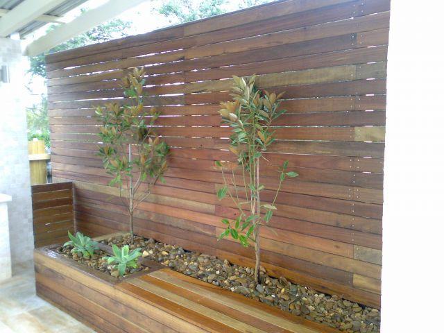 Style ideas outdoor living feature walls aqua earth for Outdoor feature wall ideas