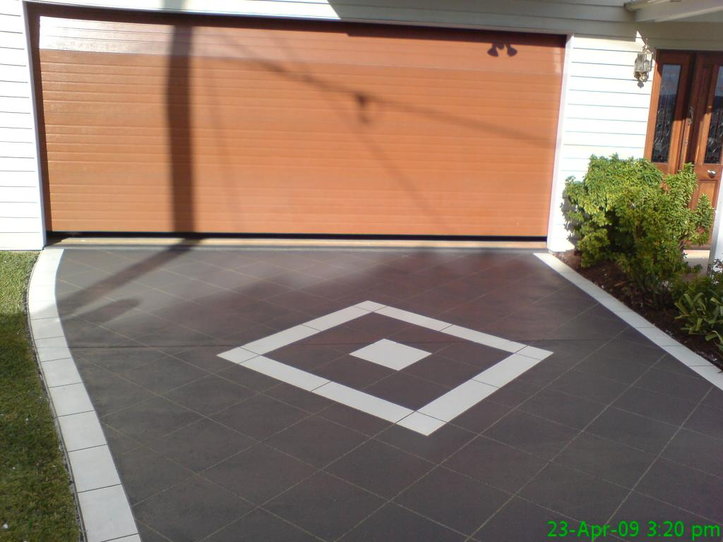 5 design ideas for concrete driveways for Concrete home design ideas