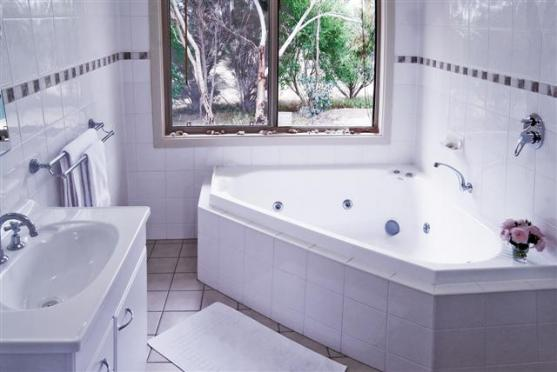 Corner Bath Ideas by Xtreme Home Makeover