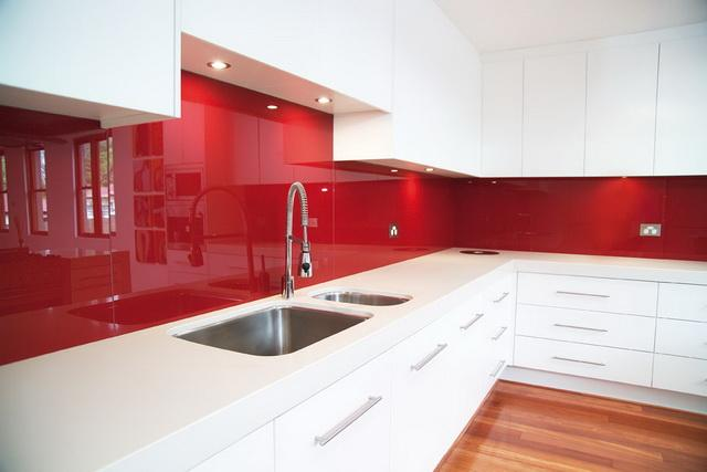 Top 10 kitchen splashback ideas for Cheap splashback ideas kitchen