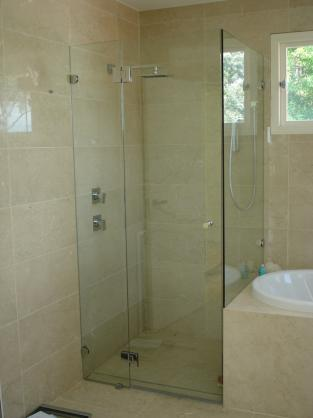 Frameless Shower Screen Designs by Lawrence Leadlights