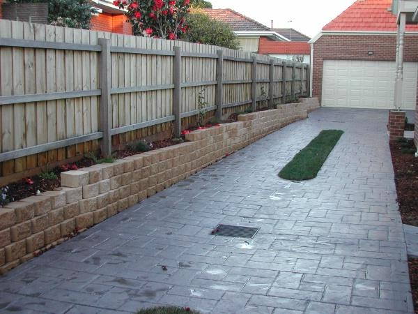 Mrm landscape retaining walls melbourne mrm for Landscape construction melbourne