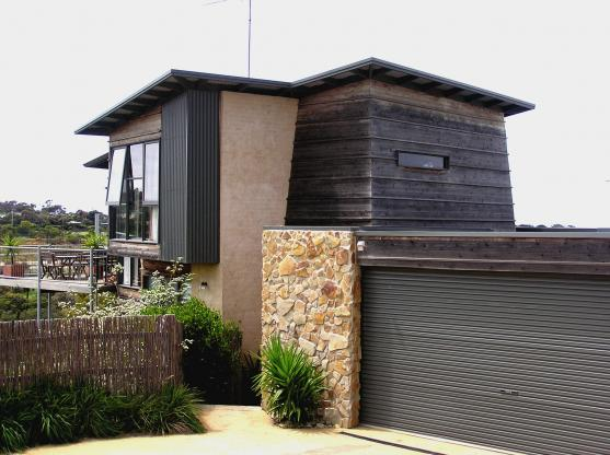 Get inspired by photos of exteriors from australian designers trade professionals page 6get for Exterior home design consultant