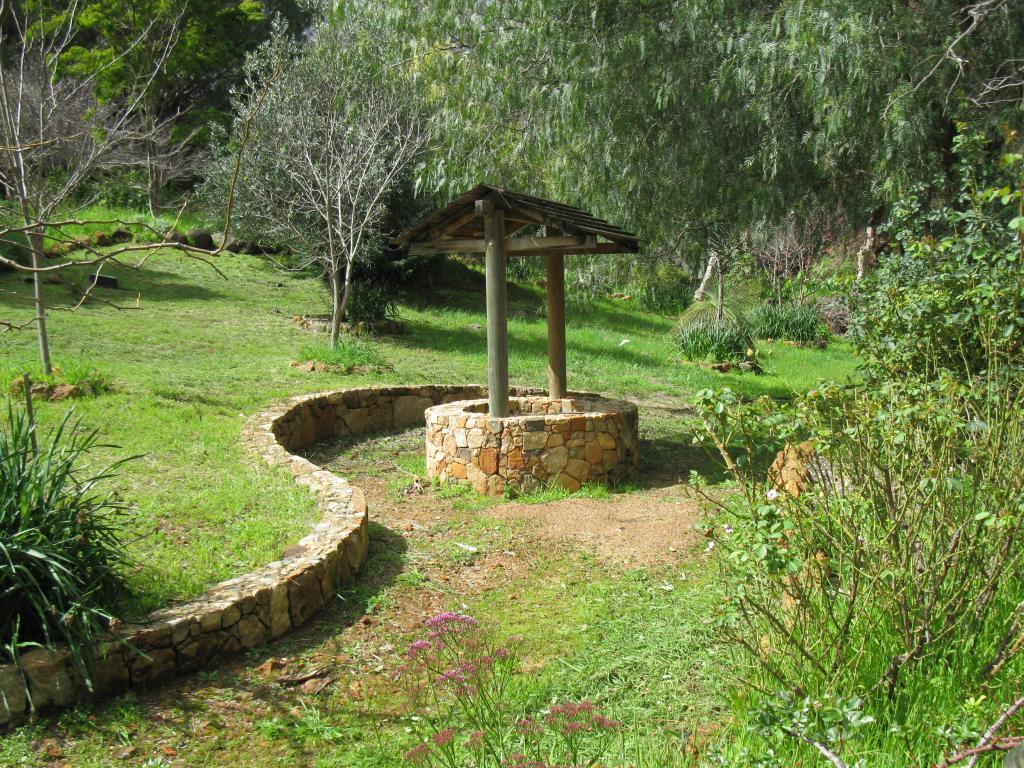 Castles Cascades Mundaring Western Australia 2 Recommendations