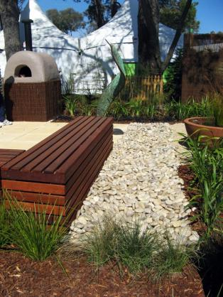 Garden Art Ideas by Provincial Plants and Landscapes