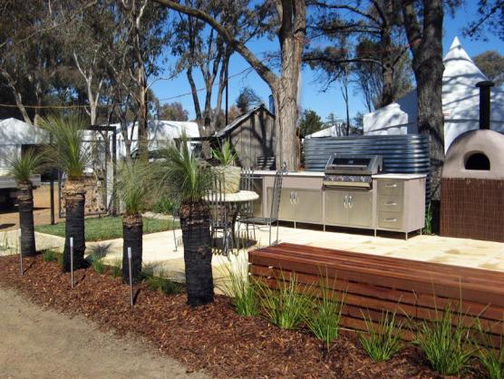 Outdoor Kitchen Ideas by Provincial Plants and Landscapes