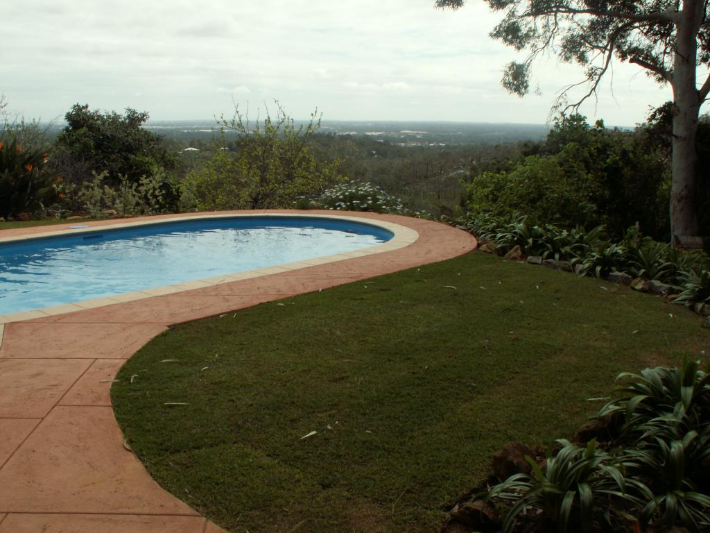 Pools inspiration wilstone australia for Inspiration pool cleaner