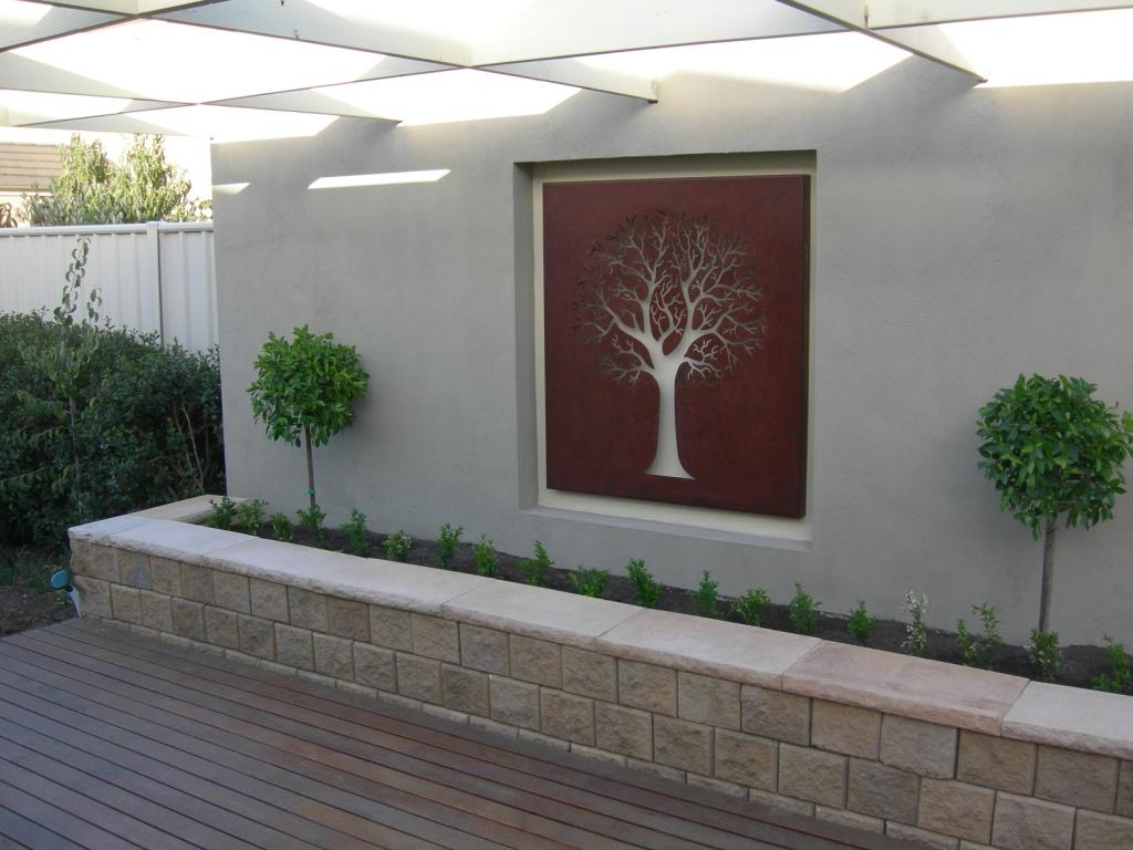 Garden art inspiration overwrought garden art for Asadores contemporaneos jardin