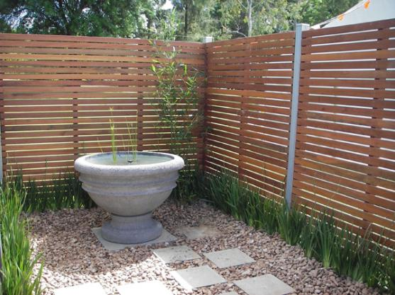 Garden design ideas get inspired by photos of gardens for Garden feature screens