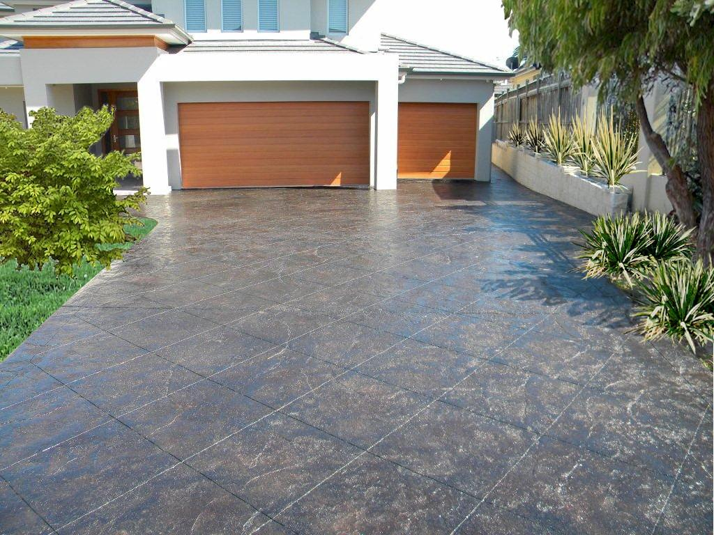 How much does it cost to pave a driveway for How to build a concrete driveway