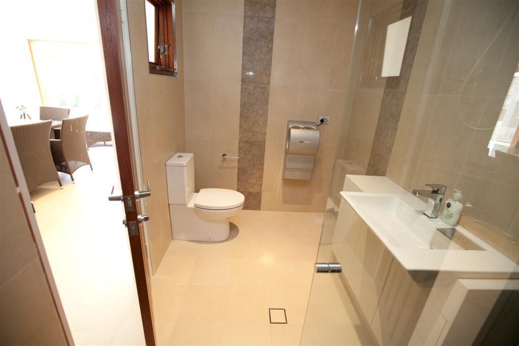 Bathrooms inspiration dwell designs australia for Dwell bathroom designs