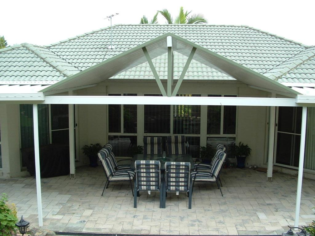 Garages sheds carport steel colourbond kilcoy for Carport deck