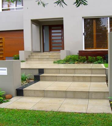 Modern front yard galleries impressions landscape design for Modern front garden ideas