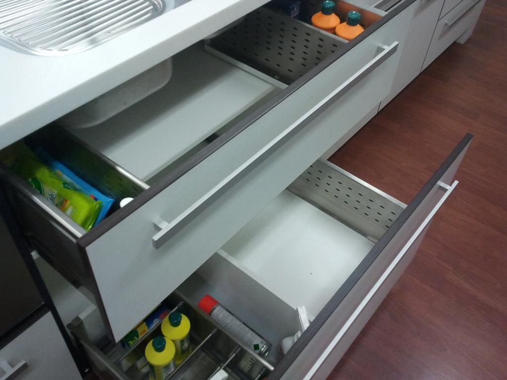 Kitchen Drawer Design Ideas - Get Inspired by photos of Kitchen ...