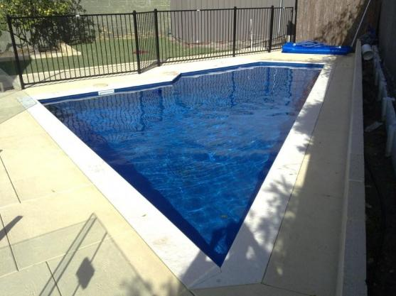 Modern pool design ideas get inspired by photos of for Local pool contractors