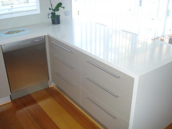Kitchen Handles Design Ideas by Overall Cabinets Pty Ltd