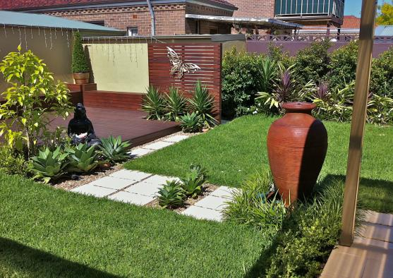Garden design ideas get inspired by photos of gardens for Garden design ideas new build