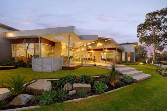 House Exterior Design by Peter Wright and Associates Pty Ltd Architects