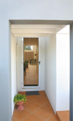 Entrance Designs by Architects John Scandurra & Associates Pty Ltd
