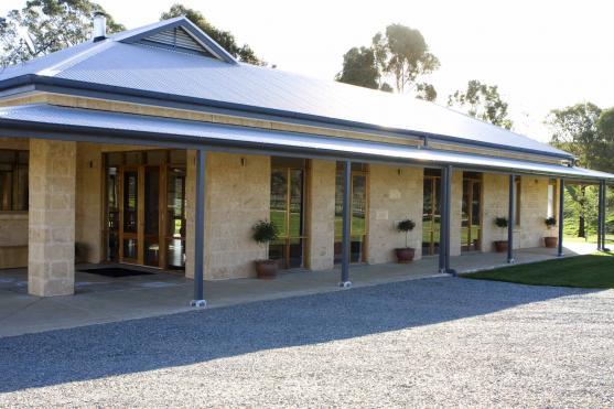 House Exterior Design by SJM Carpentry & Building Pty Ltd
