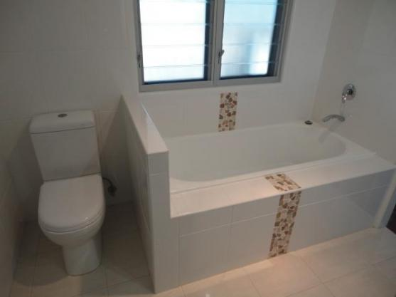 Bathroom tile design ideas get inspired by photos of for Bathroom designs qld