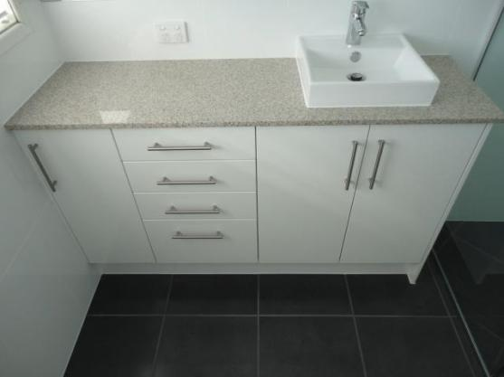 Bathroom vanitie design ideas get inspired by photos of for Bathroom ideas queensland