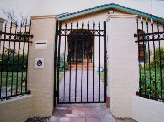Front Gate Designs by Rally DIY Fencing